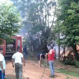 Incendio destruyó la casa de una joven pareja en San Vicente