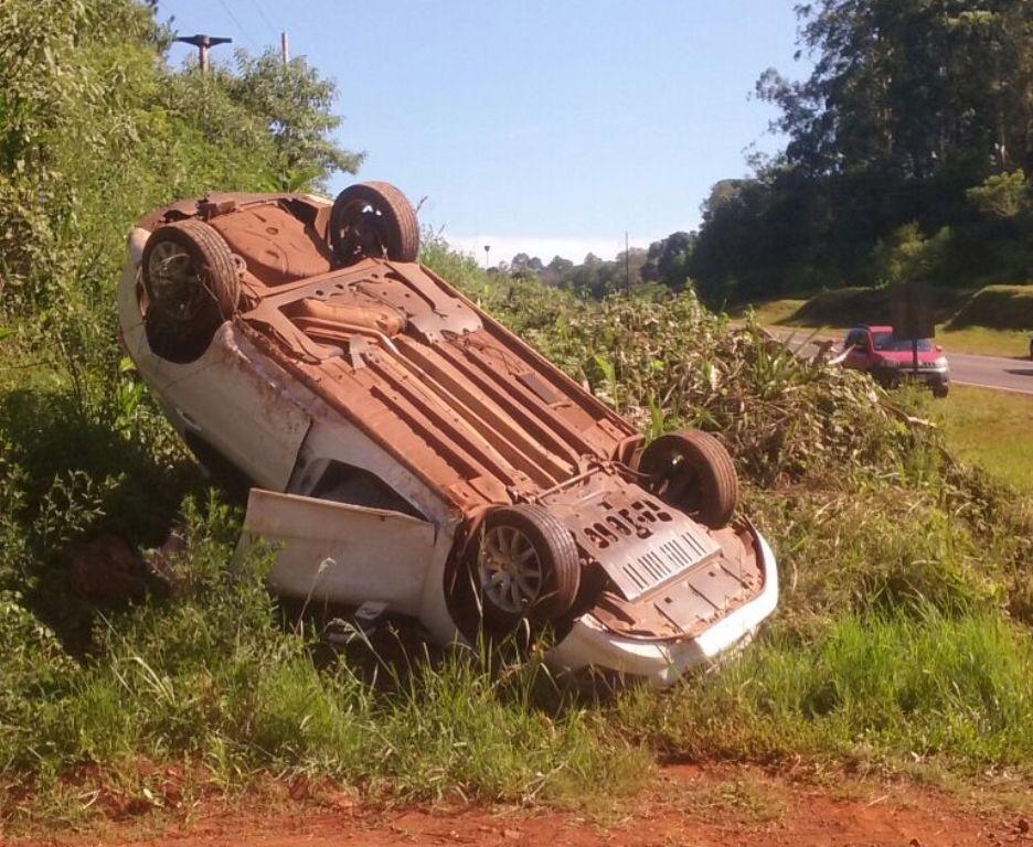 Dos heridos tras choque y vuelco en la ruta nacional 12