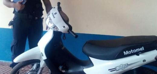 Ladrón huyó y abandonó una moto que había robado en Posadas