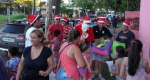 Posadas Late entregó en barrios de Posadas donaciones navideñas y alegró a cientos de familias