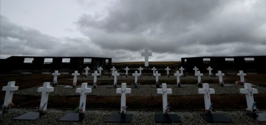 Cruz Roja formará un grupo de forenses para identificar a caídos en Malvinas