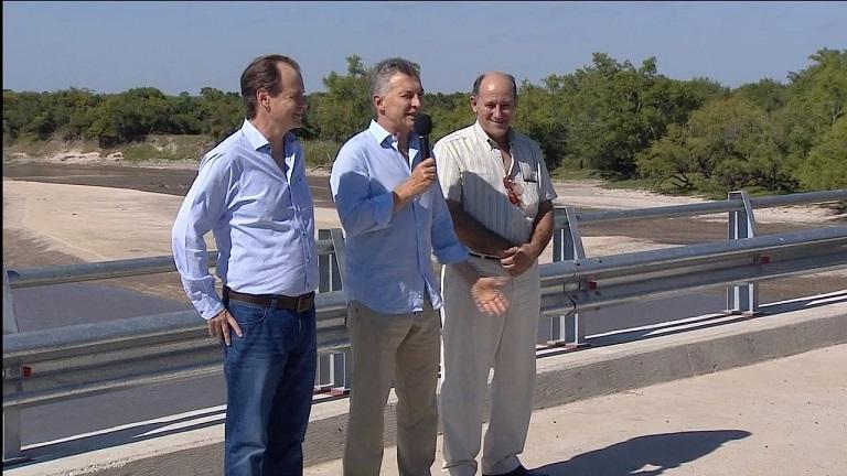 «Vamos a llenar de puentes y rutas todo el país», dijo Macri