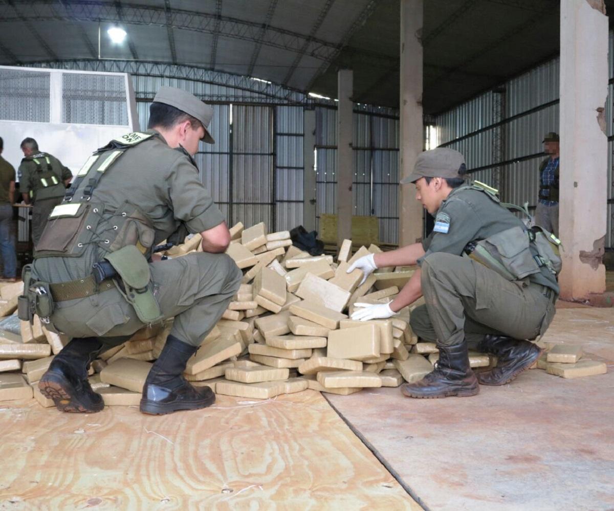 Megacarga en Aristóbulo del Valle: apuntan a un cártel que opera en la zona de Mado como el propietario de la marihuana