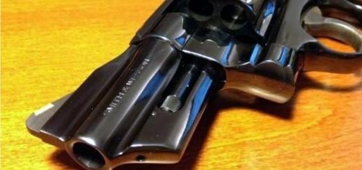 Policías de Eldorado evitaron que un joven de 14 años se disparara con un revólver
