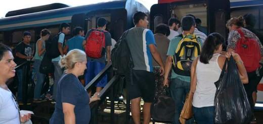 Encarnacenos piden agregar dos vagones más al tren binacional