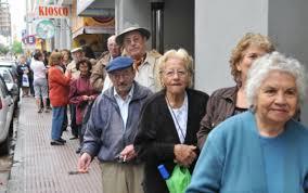 Bono de fin de año: Comienzan a pagarlo a beneficiarios de la Asignacion Universal y el martes a jubilados