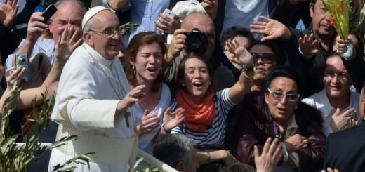 """""""Las mujeres son más valientes que los hombres"""", afirmó Francisco"""