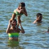 Las playas de Miguel Lanús ya cuentan con paradores para brindar servicios a la gente