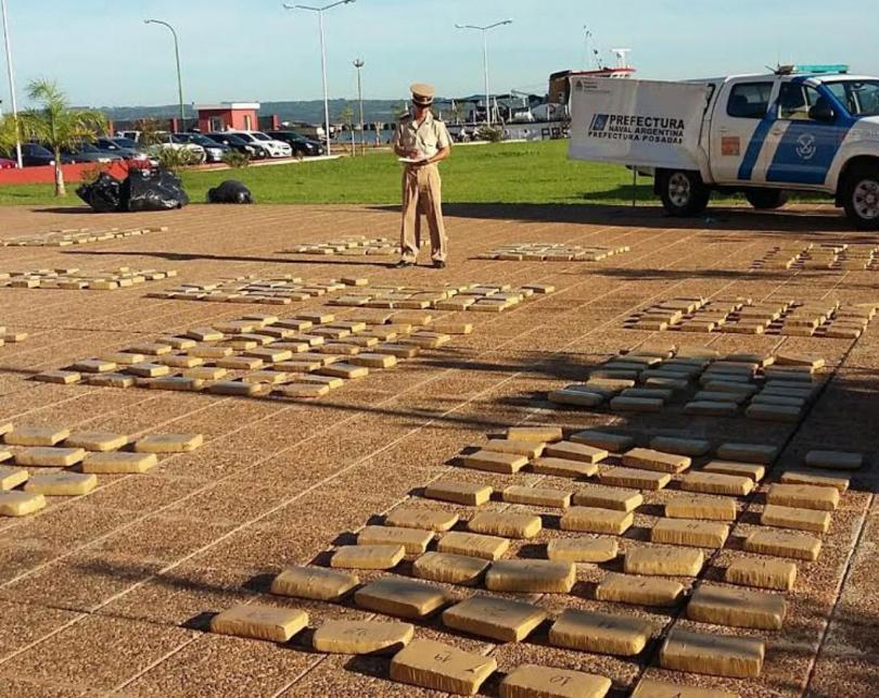 Narcos abandonaron más de 700 kilos de marihuana a 200 metros de la ruta 12, en Candelaria