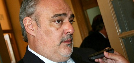 Ordenan investigar al gobernador Colombi por interferir en un operativo antidrogas