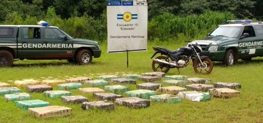 Allanan una casa donde acopiaban marihuana en Eldorado: decomisaron 950 kilos