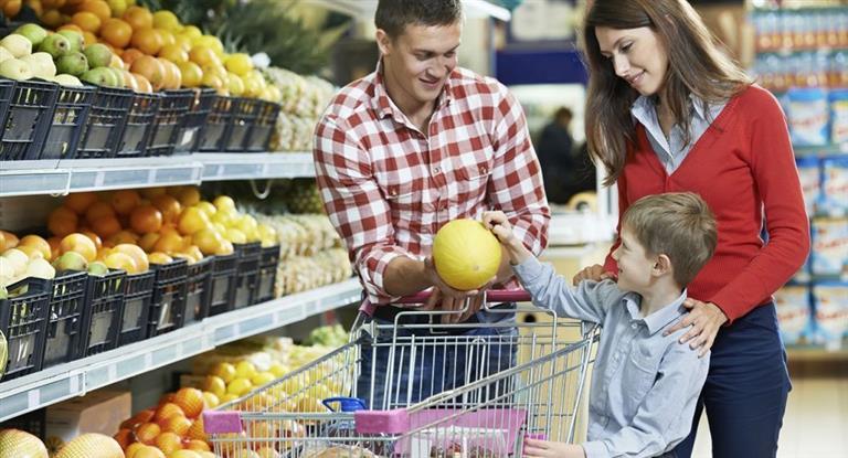 La canasta básica de alimentos subió un 2,3% en diciembre y cerró el año con avance del 30%