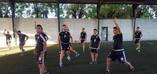 """Polémica por el entrenamiento """"militar"""" de Deportivo Riestra"""