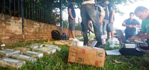 Posadas: Hallaron 60 kilos de droga en un auto abandonado y estaría relacionado con el enfrentamiento a tiros de hoy a la madrugada