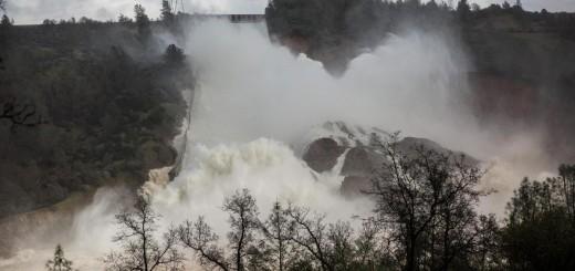 Video: Ya son 180.000 los evacuados por la represa dañada en Estados Unidos