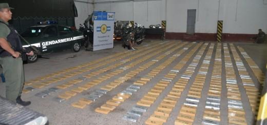 En dos operativos, la GN decomisó casi 800 kilos de marihuana