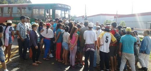 Crisis yerbatera: Tareferos y productores paralizaron las rutas de Misiones y exigen respuestas a la Nación