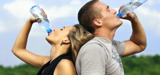 ¿Cuánta cantidad de agua debemos tomar según la edad?