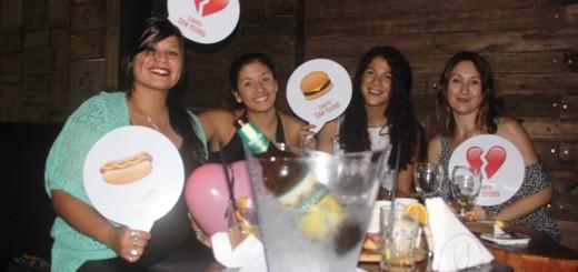 """Exitosa celebración del Día de """"Sin Valentín"""" en el Todo Frío Wine Bar de Posadas"""