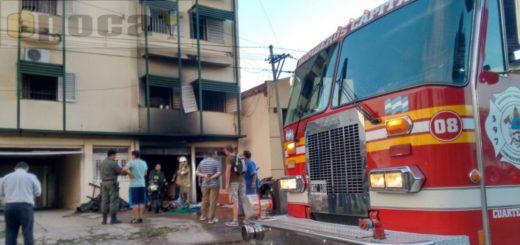 Corrientes: Se incendiaron departamentos, 12 niños fueron rescatados por los techos y una mujer se arrojó a la calle