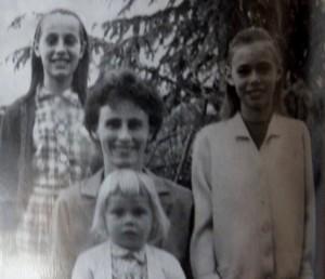 """La familia de Marie-Anne Erize recuerda su infancia """"feliz y salvaje en la selva misionera"""""""
