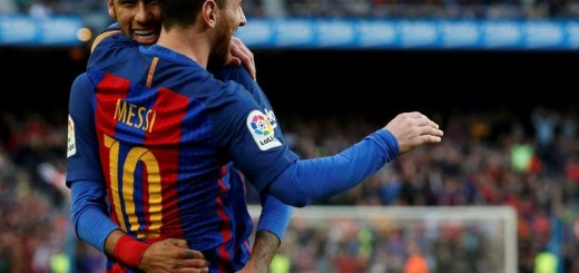 Messi marcó de tiro libre en la victoria del Barcelona y es uno de los máximos goleadores de la liga