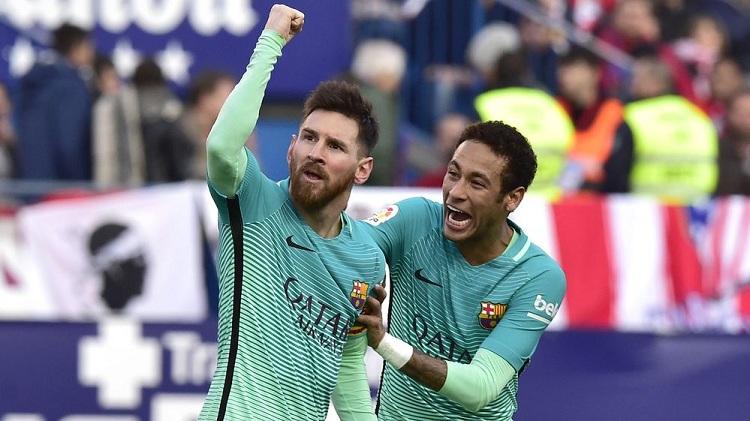 Messi volvió a amargar a Simeone y llevó al Barcelona a la cima de la Liga Española