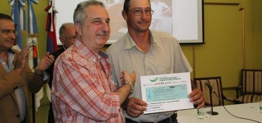 Passalacqua entregó aportes por más de 6 millones de pesos para aserraderos y carpinterías