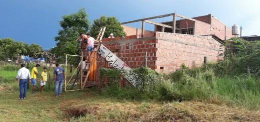 Posadas: se le voló el techo de la casa con  el temporal y un ropero le cayó encima