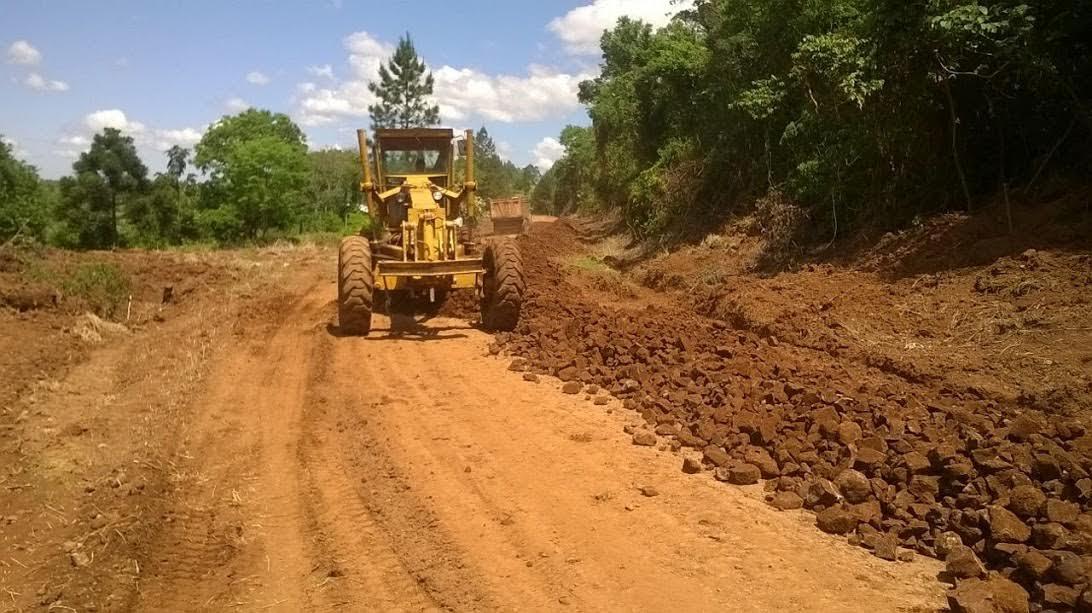 Vialidad recupera rutas terradas: ejecuta 15 frentes simultáneos de obras