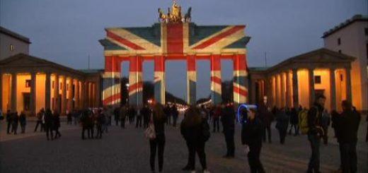 La bandera británica ilumina la Puerta de Brandenburgo de Berlín en solidaridad tras los atentados ocurridos en Londres