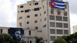 Cuba empezó a ofrecer internet para hogares pero el servicio es muy costoso