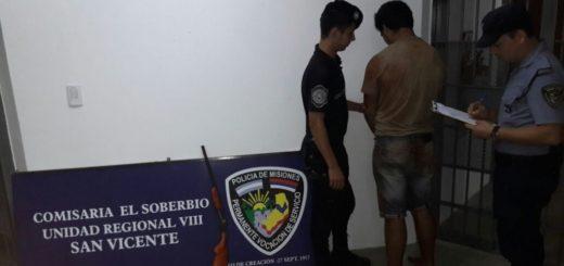 El Soberbio: amenazó a los tiros a una pariente y cuando la Policía fue a buscarlo, se escondió en el monte