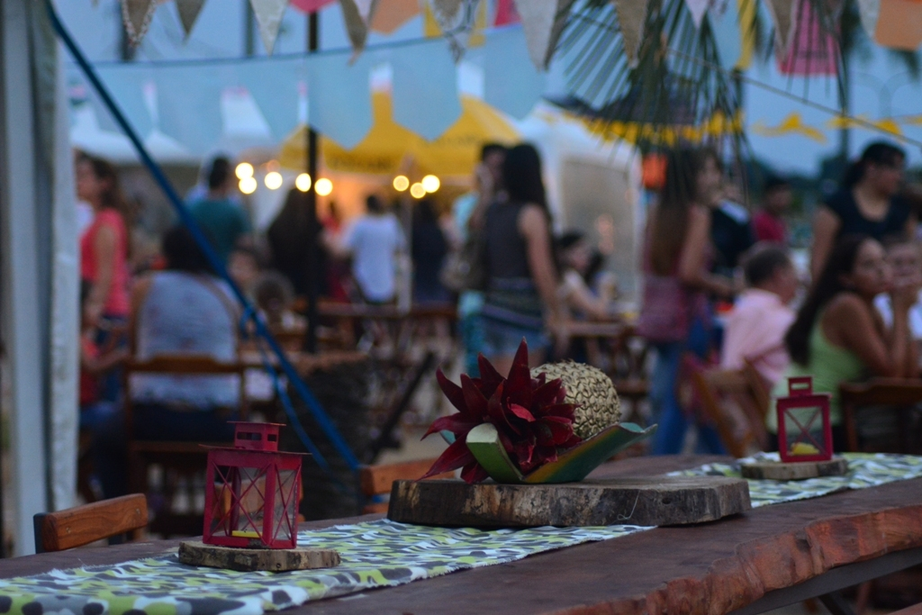 En la Playa El Brete de Posadas se realiza la segunda jornada de la tercera edición de la feria Selva Adentro