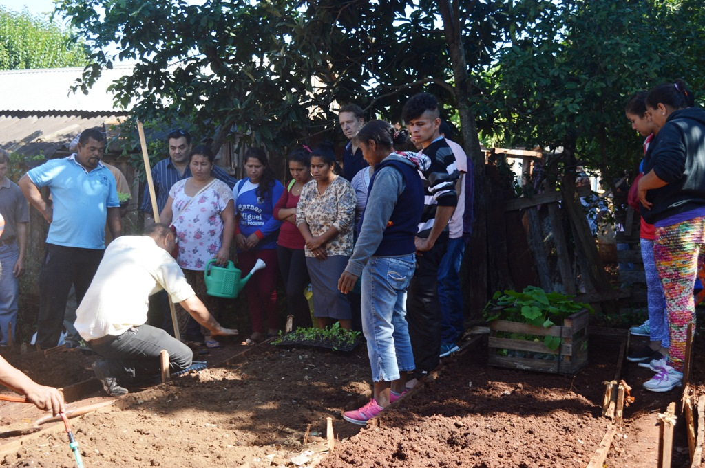 Se realizó en Oberá una Jornada de trabajo integral con las familias tareferas