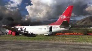 Un avión de Peruvian Airlines se incendió al aterrizar con 138 pasajeros