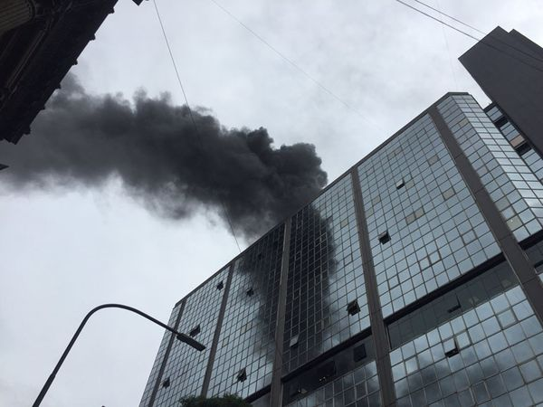Incendio en el Anexo del Congreso en Buenos Aires