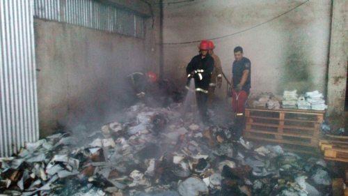 Papelera de Garupá amaneció consumida por el fuego