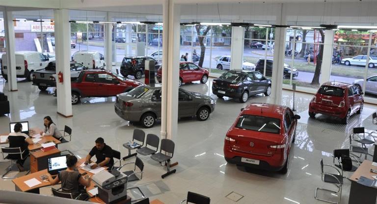 El patentamiento de autos subió un 19% en febrero