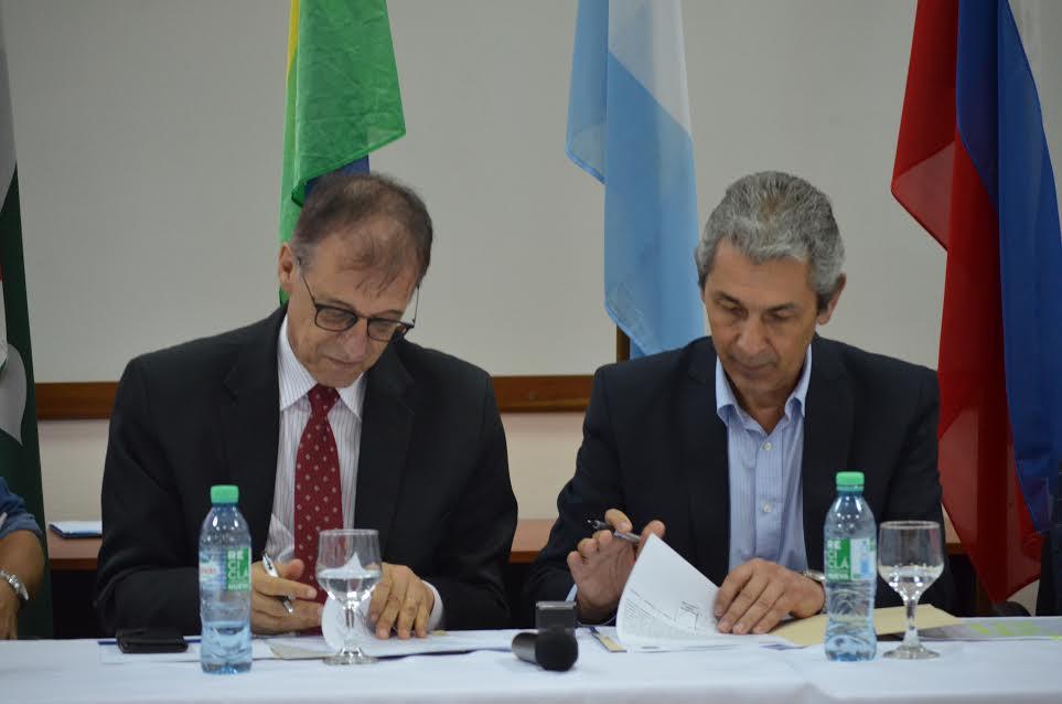 Firmaron un acta pidiendo construcción del puente Alba Posse-Porto Mauá