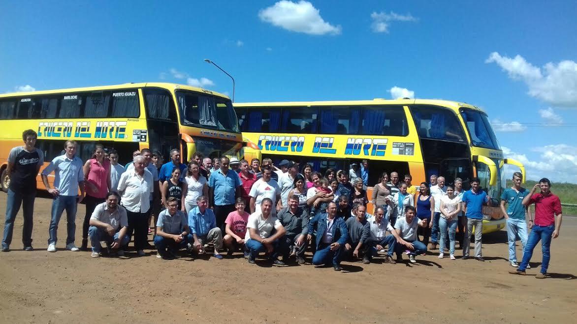 Productores apícolas misioneros viajaron a Maciá Entre Rios