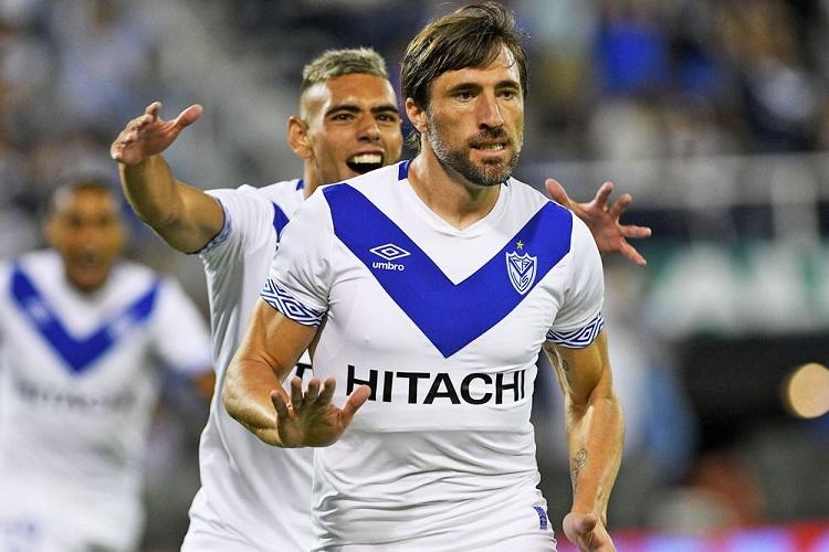 Vélez le ganó a Estudiantes en la vuelta del fútbol