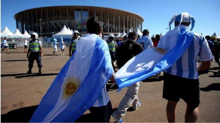 La FIFA sancionó a la AFA por cantos racistas durante las Eliminatorias