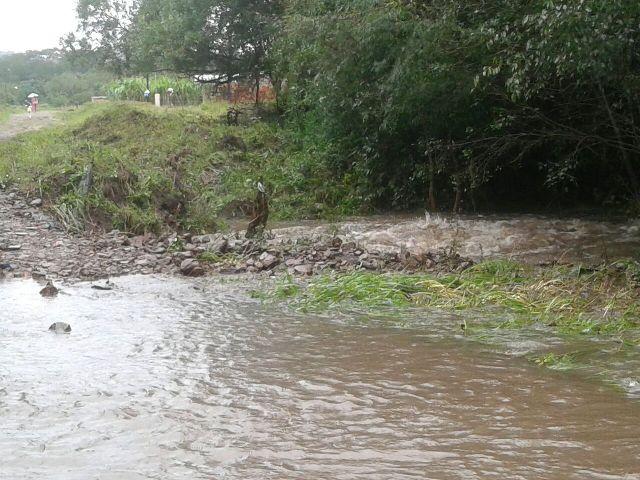 Temporal en Misiones: arroyos desbordados y casas inundadas en Cerro Corá