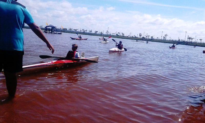 Se desarrolló con éxito el primer día del Encuentro Regional de Canotaje organizado por el Club Pira Pytá en la Bahía El Brete