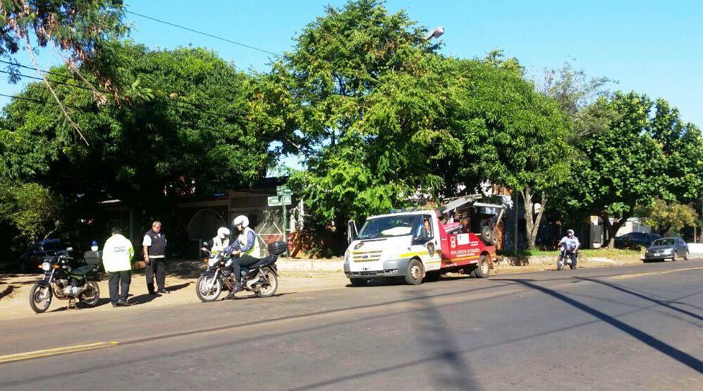Finalmente la mujer que se había atrincherado en su auto en Posadas, desistió de la medida