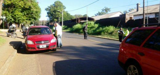Posadas: dos personas se atrincheraron en sus autos y uno de ellos negó a hacer el test de alcoholemia