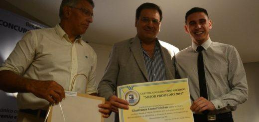 Beca MAJÚ SA: un estudiante de Buenos Aires y uno de Mendoza compartieron el premio por Mejor Promedio del nivel secundario del país