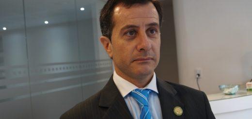 Martín Ayala, ex presidente del Colegio de Abogados se mostró conforme con la renuncia de Acosta aunque reconoció que esperaban el jury