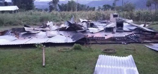 Incendio destruyó por completo una vivienda familiar en El Soberbio